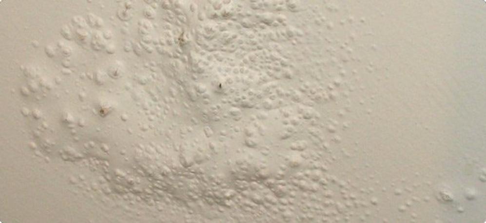 Hiện tượng sơn bị bong lên do xử lý vật liệu kém